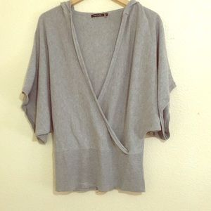Daisy Fuentes Women's Short Sleeve Hoodie Size M